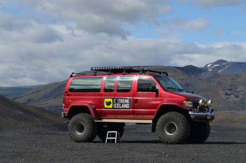Enjoy the Landmannalaugar colored mountains in Super Jeep