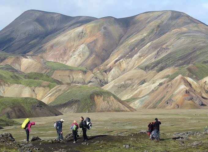 landmannalaugar excursion trekking